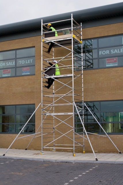 MOBILE SCAFFOLD TOWER HIRE