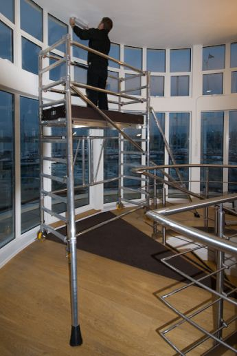Room rate scaffold towers