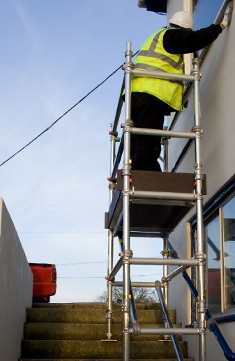 Narrow scaffold tower for Stair tower